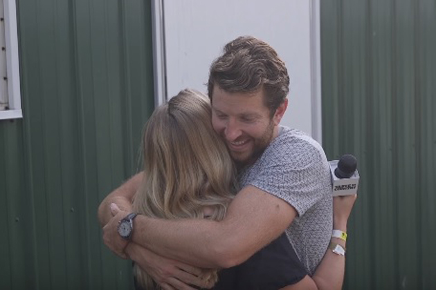 Brett Eldredge surprises his superfans and, yes, there are tears!