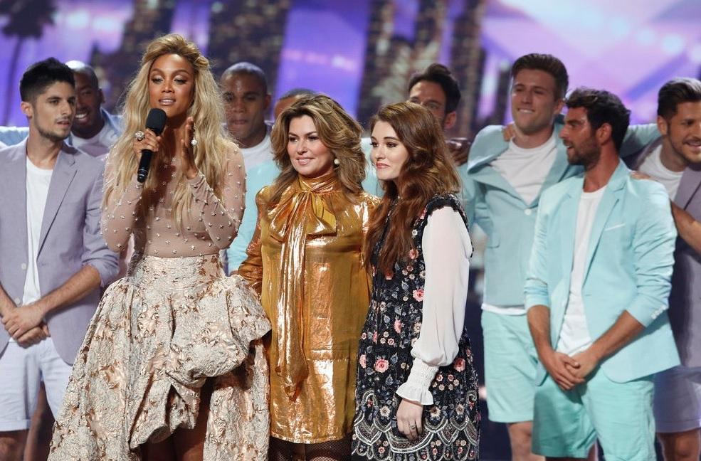 Shania Twain Performs With Deaf 'America's Got Talent' Singer