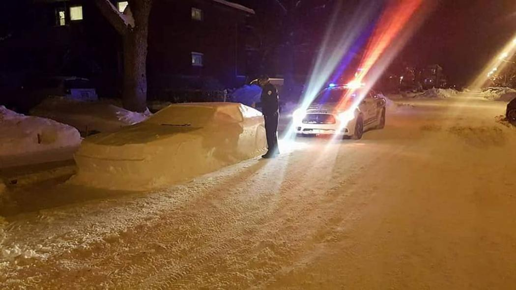 Cop in Montreal Pranked by Snow Car