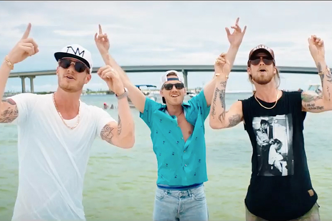 "New 2U at 2:02 Jan 22, 2018: Would you add ""Morgan Wallen ft. Florida Georgia Line ""Up Down"" to YOUR playlist?"