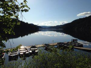 Pinaus Lake Resort Closed by Threat of Land Slides