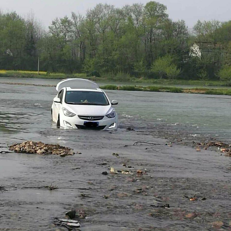 river-car-2
