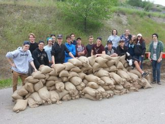 Students Praised For Helping Flood Victims