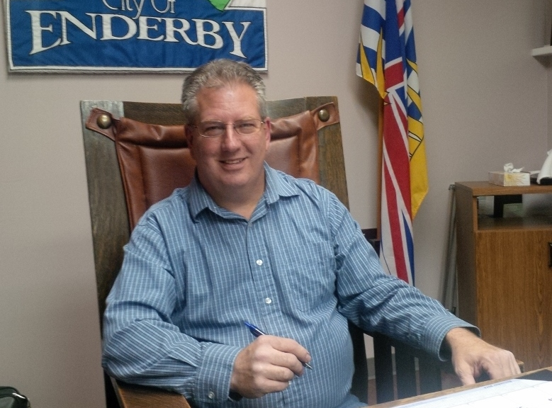 Enderby Mayor Praises Outgoing Fire Chief