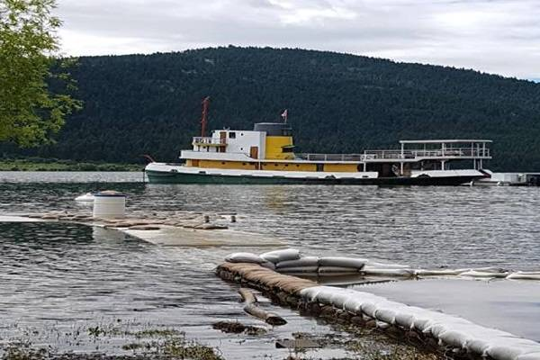 Tugboat Escapes Into North Arm Of Okanagan Lake
