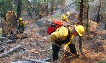 Kaleden Wildfire Burns/Threatens Homes