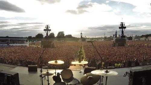 Hear 65,000 people sing Queen in unison