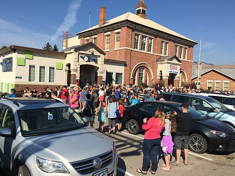 Hundreds Attend Eclipse Viewing in Vernon