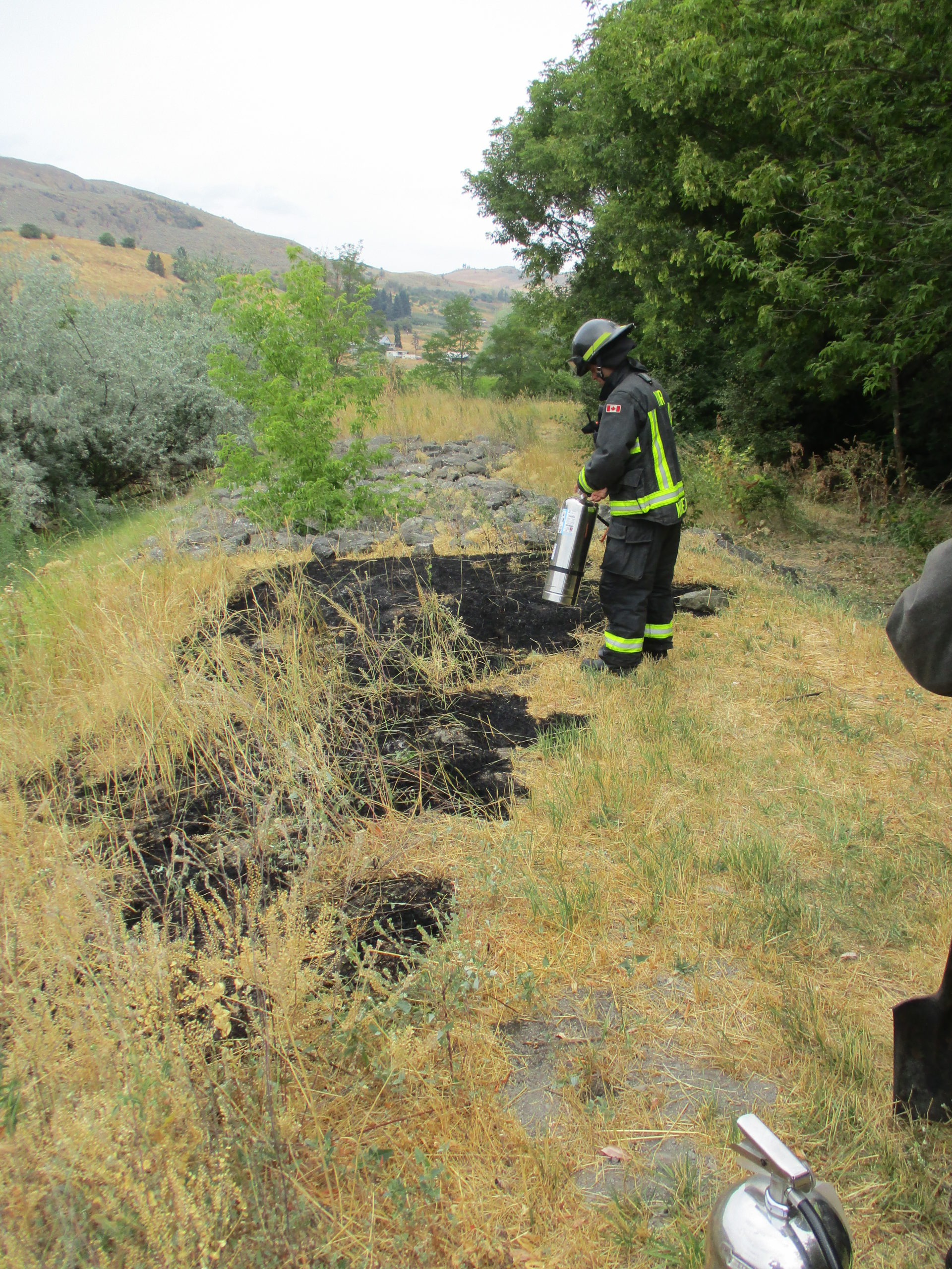 Citizens Stomp Down Vernon Grass Fire