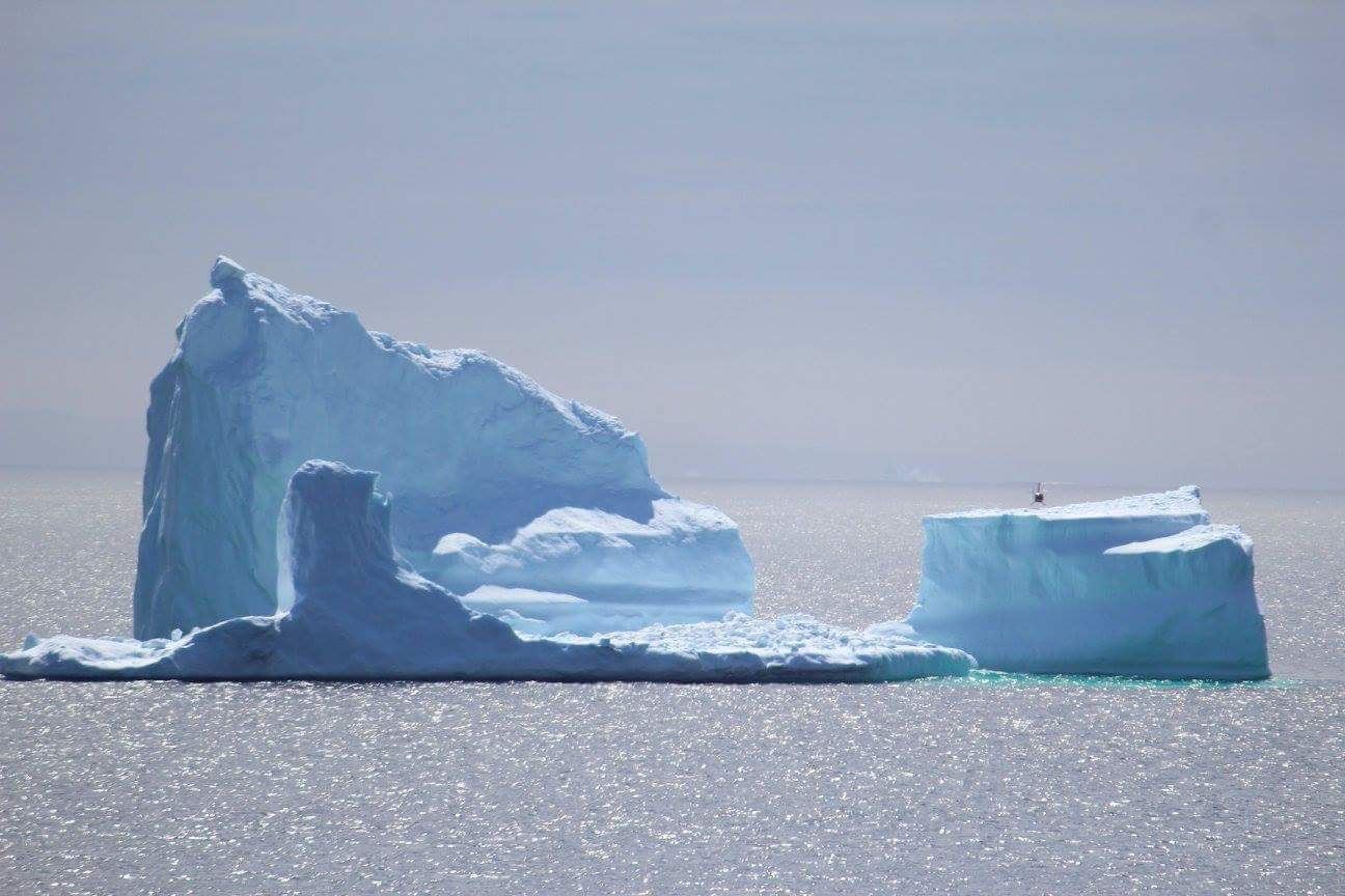 Helicopter lands on iceberg