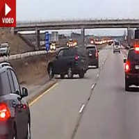 Tailgater gets brake checked and then crashes