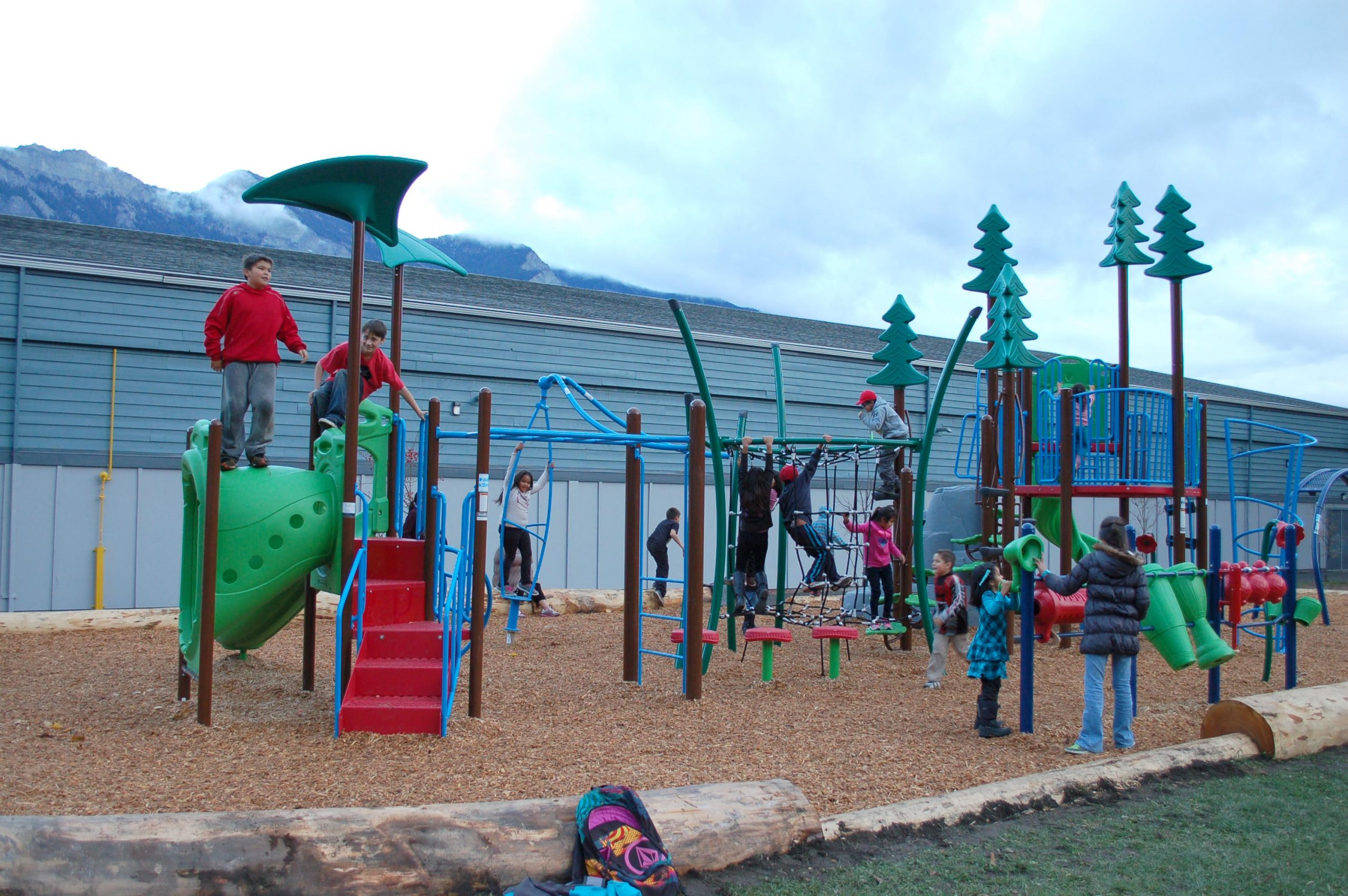 lillooet-rec-centre-playground-must-credit-bridge-river-lillooet-news