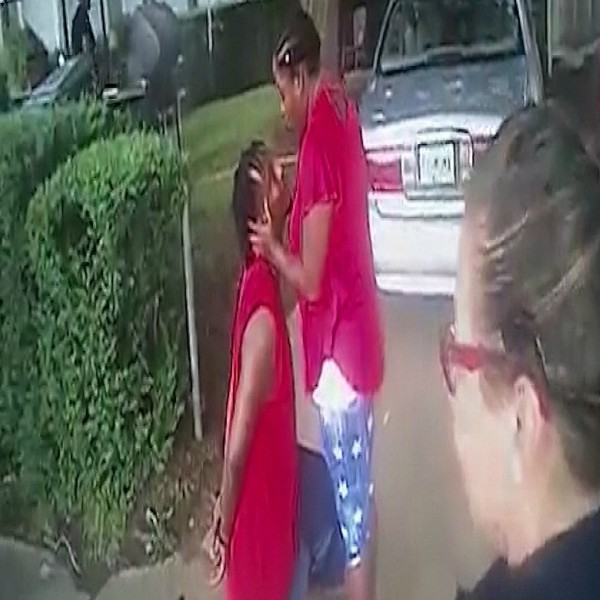 Man Proposes To His Girlfriend During Arrest