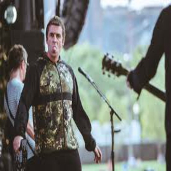 Liam Gallagher Cuts Show 40 Minutes Short