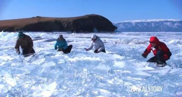 Drum Team Head Into The Cold To Play Amazing Music On Natural Ice Drums - Watch and Listen