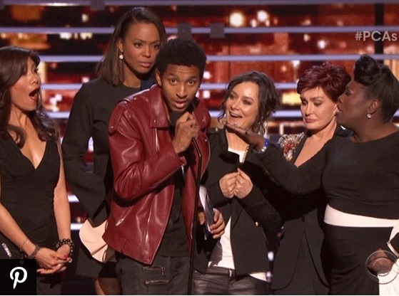 Peoples Choice Awards: Vin Diesel Sings, A Man Jumps on Stage With The Ladies of 'The Talk' & More!