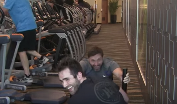 WATCH:How do you get ready to walk on a treadmill for 24 hours? Like this!