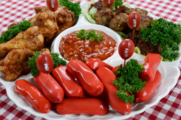 Hosting a Superbowl party this weekend? Here are some very important tips..
