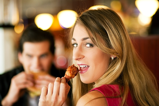 BEST & WORST foods to eat on a date