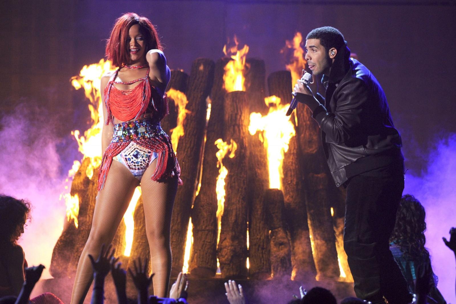 Rihanna Twerks On Drake in Teaser 'Work' VIDEO