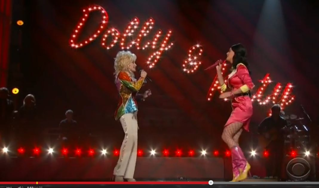 Katy Perry & Dolly Parton sing country medley at the Academy of Country Music Awards last night