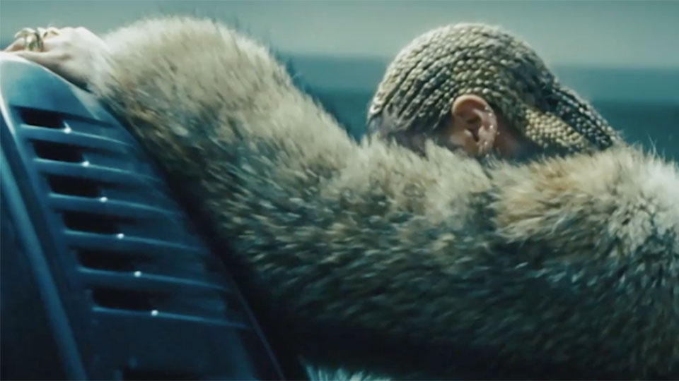 BEYONCE dropped a BIG and CONFUSING piece of news yesterday! (WATCH)