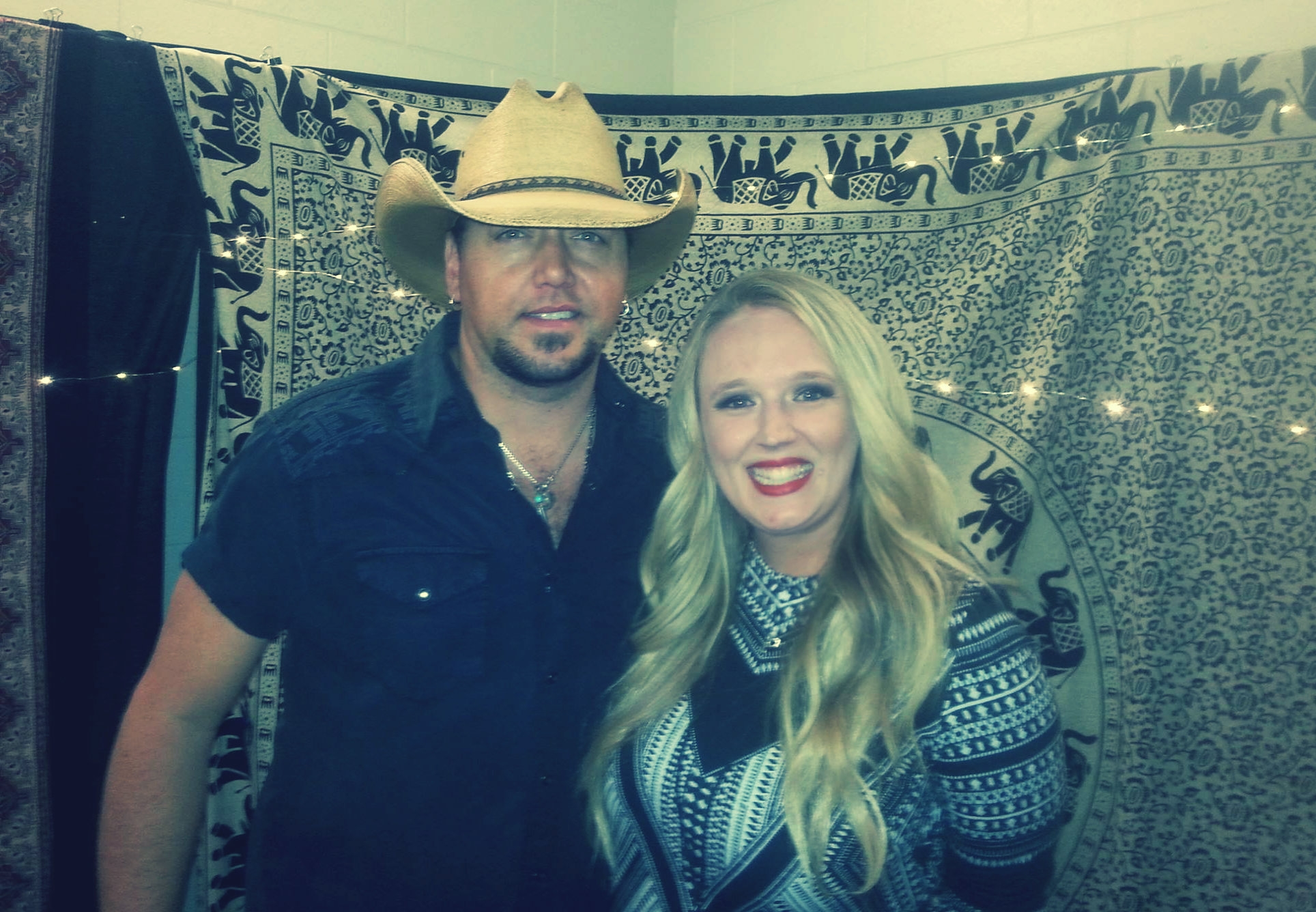 With CMT Fest Headed Our Way I Got My Country On This Weekend And Went Backstage With Jason Aldean- WATCH