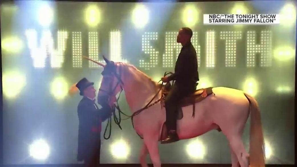 WILL SMITH...Shows how you make an ENTRANCE! (Watch)
