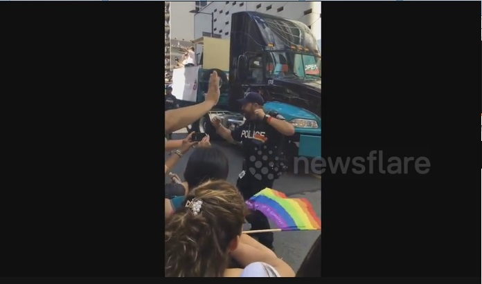 Toronto Cop Showcases Why Canadians Are Awesome While Dancing To Cher At Pride - WATCH