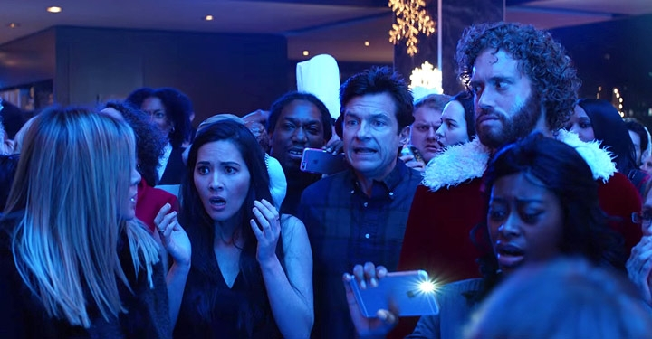 "THIS Looks AWESOME! ""Office Christmas Party"" Trailer (WATCH)"