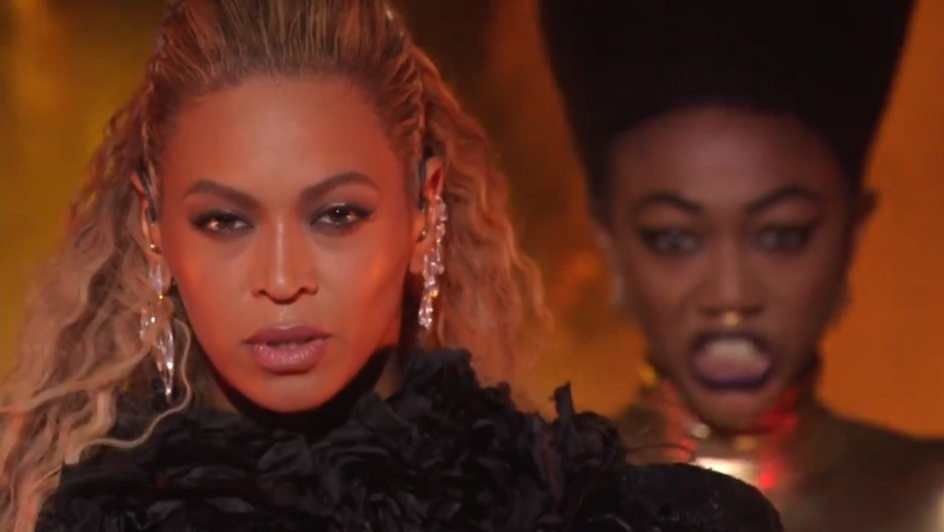 Beyonce HANDS DOWN Did The Best Performance of the MTV VMA's