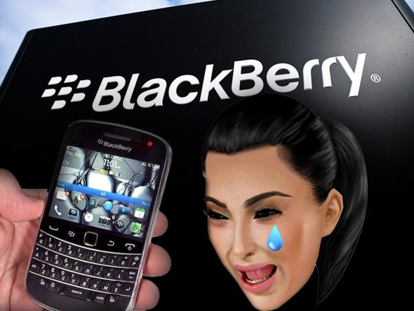 SAY WHAT??? Kim Kardashian STILL uses a Blackberry BOLD???