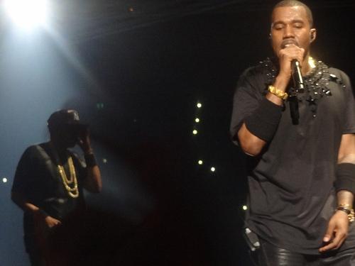 """Kanye West fans shout """"F**k Taylor Swift!"""" at concert in Nashville. *NSFW*"""