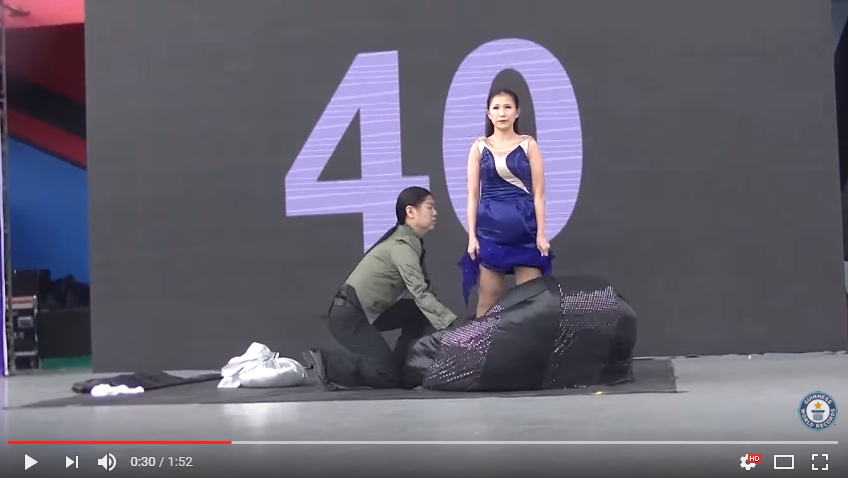 Magicians Attempt World Record For Most Costume Changes In A Minute, The Last One Will Blow Your Mind - WATCH