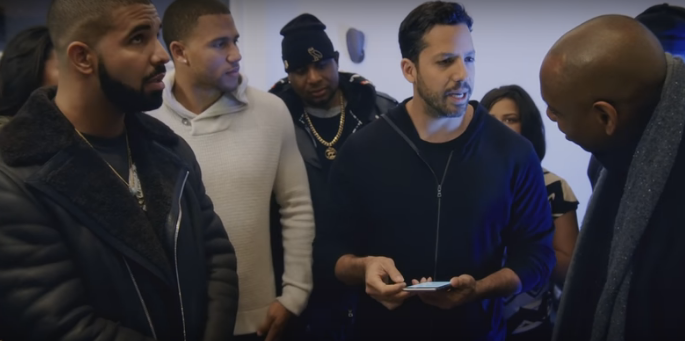WATCH: David Blaine's burping frogs trick for Drake, Stephen Curry & Dave Chapelle!