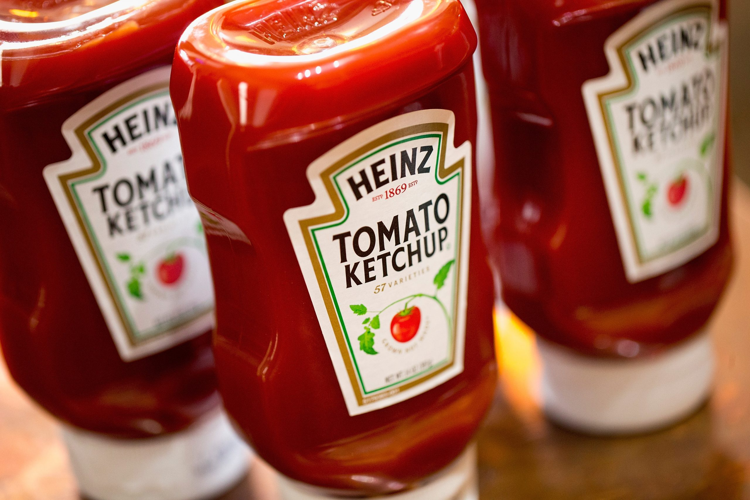 Ketchup:Does it belong on the fridge or the pantry?