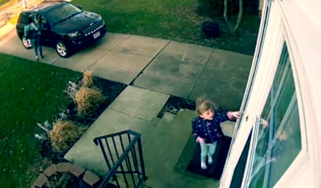 WATCH:4-year-old girl take flight when wind rolls in