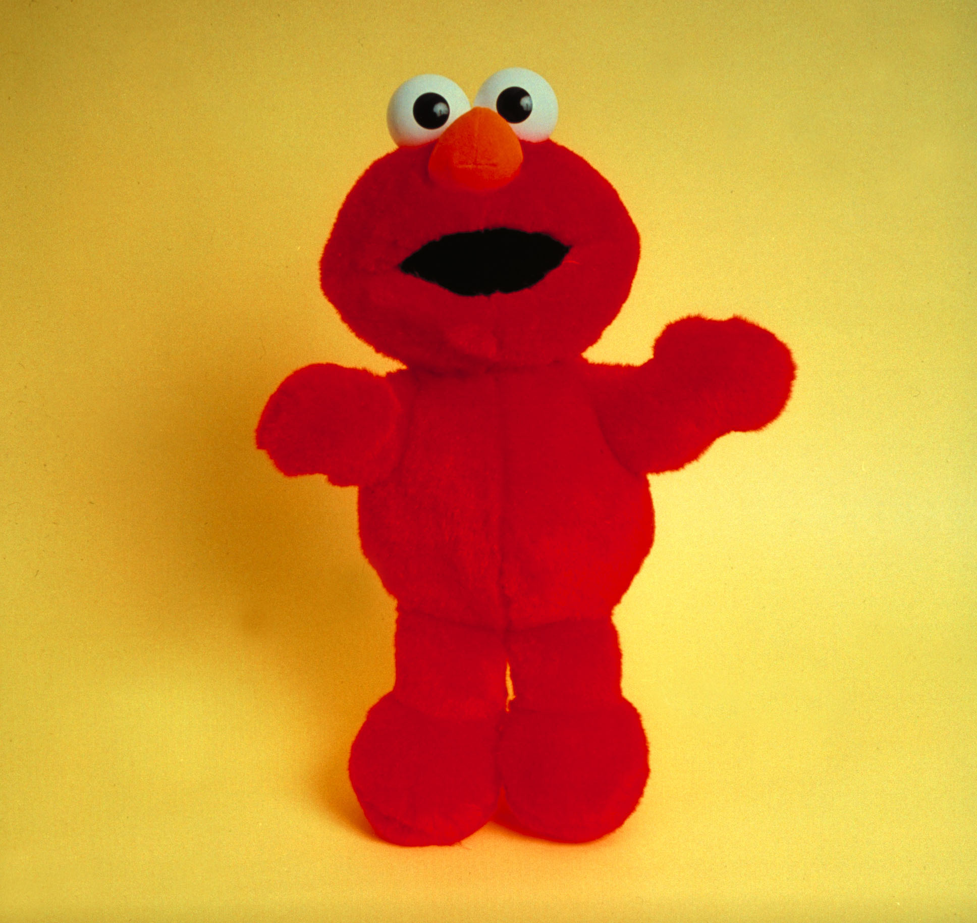 A FURLESS 'Tickle-Me-Elmo' is Terrifying! [WATCH]