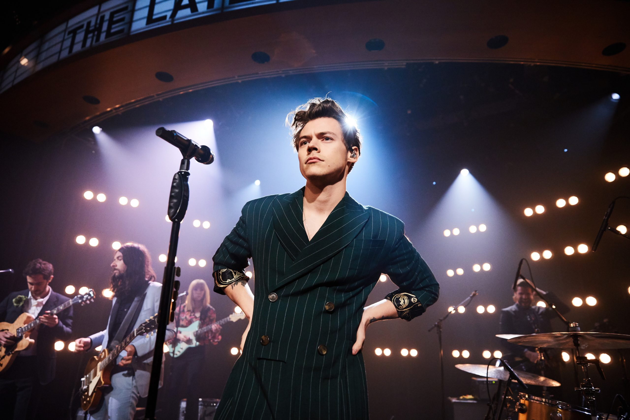 HARRY STYLES extends his World Tour with another show in TORONTO!