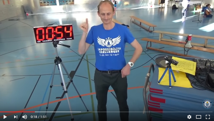 "A guy from the Netherlands set a ""Guinness World Record"" for the most one-handed claps in one minute. WATCH"