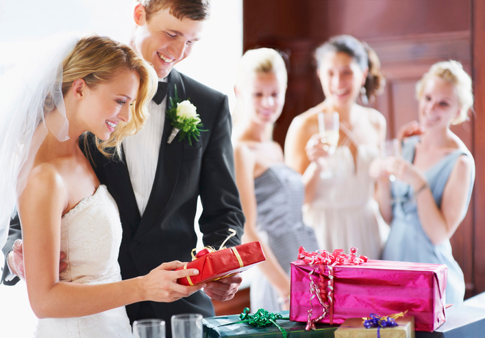 Things COUPLES Always WISH They Had Put on Their WEDDING REGISTRY