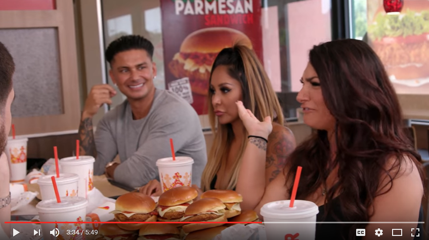 """The """"JERSEY SHORE"""" cast has a mini-reunion at Burger King [WATCH]"""