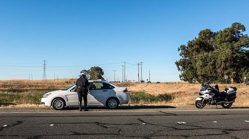 A study finds 5 ways to avoid a speeding ticket.