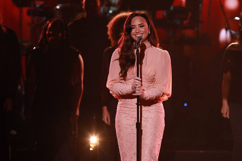 Demi Lovato chats with Rob Daniels. LISTEN