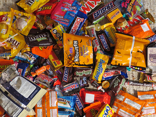 Why You Should Eat All of Your Halloween Candy in One Sitting