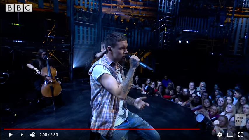 """Liam Payne covers Pink """"What About Us"""". WATCH/LISTEN"""