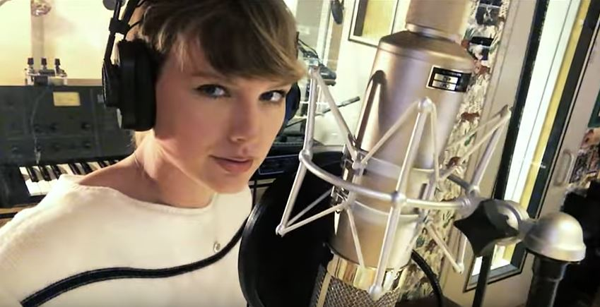 """[WATCH] Taylor Swift's songwriting process for """"Gorgeous"""""""