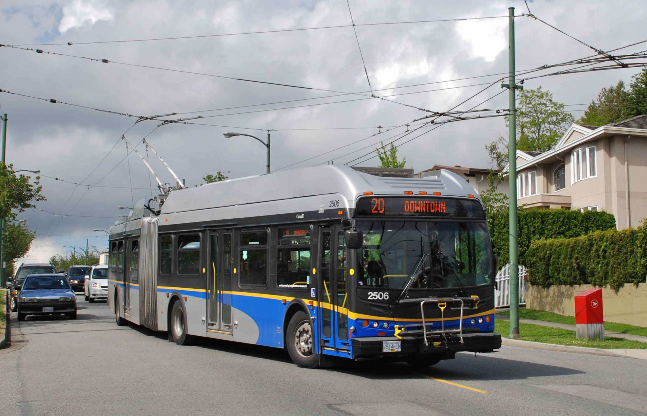 Vancouver Flyer E60LFR trolleybus, ad-free