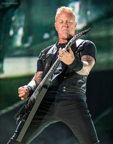 Metallica's James Hetfield falls