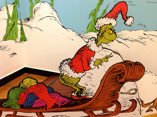 Jim Carrey Trained By CIA To Play Grinch